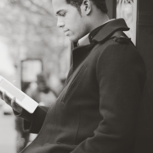 reading_kindle