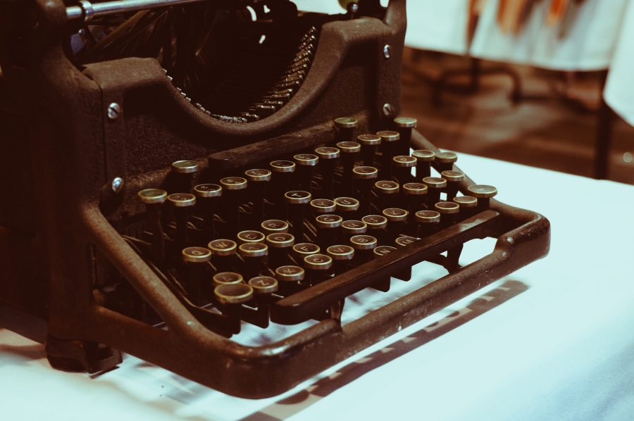 writing tips typewriter copywriting write it right